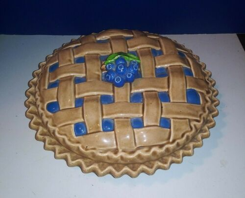 """Whitter Ware Blueberry Pie Ceramic Dish with Lid 9"""""""