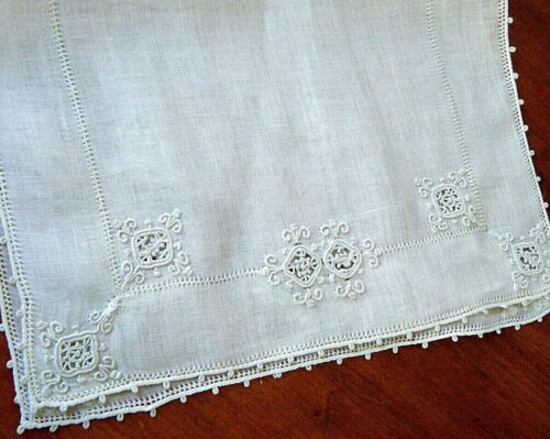 Antique Doily runner combo reticella embroidery and lace reticella beige Italy