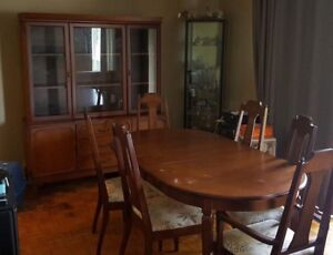 China buffet and dining table