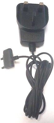 Sony Ericsson Cst 60 Wall   Travel Charger Uk Plug In P990 T250a W350 W380 W518a