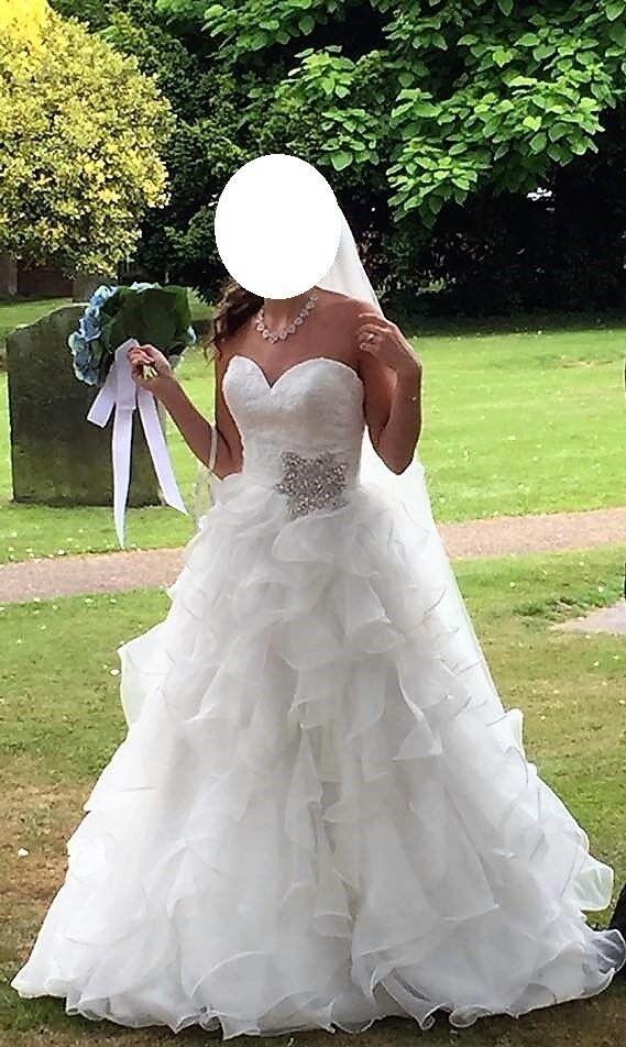Wedding Dress Allure Bridal 8955 Size 8 Ivory Colour Worth GBP1979 Bride