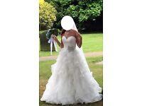 Wedding dress Allure Bridal 8955 Size 8 Ivory Colour worth £1,979 bride