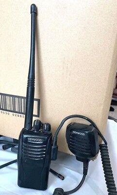 Kenwood Tk-2360-k Vhf Handheld Two Way Radio With Mic