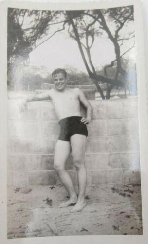 Vintage Hawaii Guy Posting Beach Photo (C4)