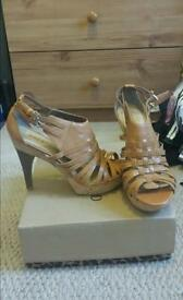 Brand new Nine West Tan heels size 5
