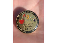 "Oliver Wendell Jones /& Banana Jr 6000 Buttons 1.25/"" Bloom County Hacker Apple"