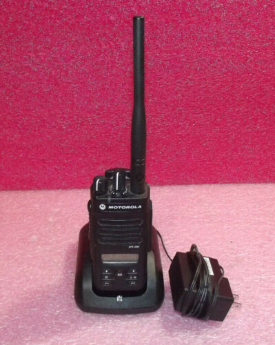Motorola XPR3500 UHF (403-512 MHz) DMR Portable Radio w/ Battery & Charger