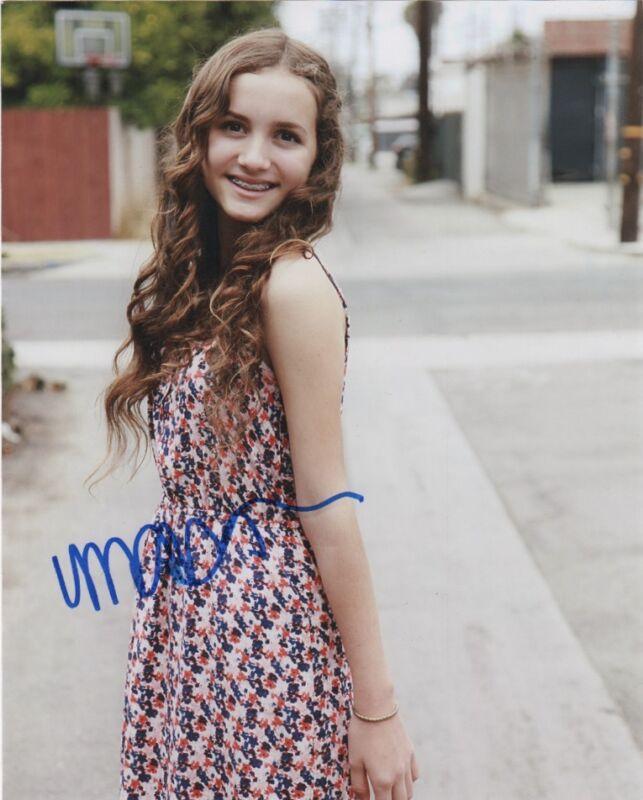 Maude Apatow Autographed Signed 8x10 Photo COA B