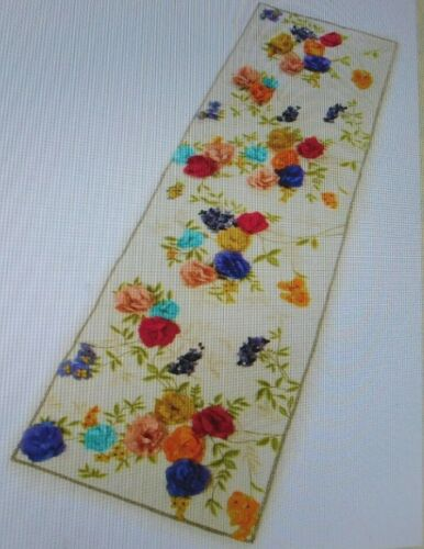 MACKENZIE -CHILDS  WHITE WITH FLORAL, COVENT GARDEN BED SCARF,NEW