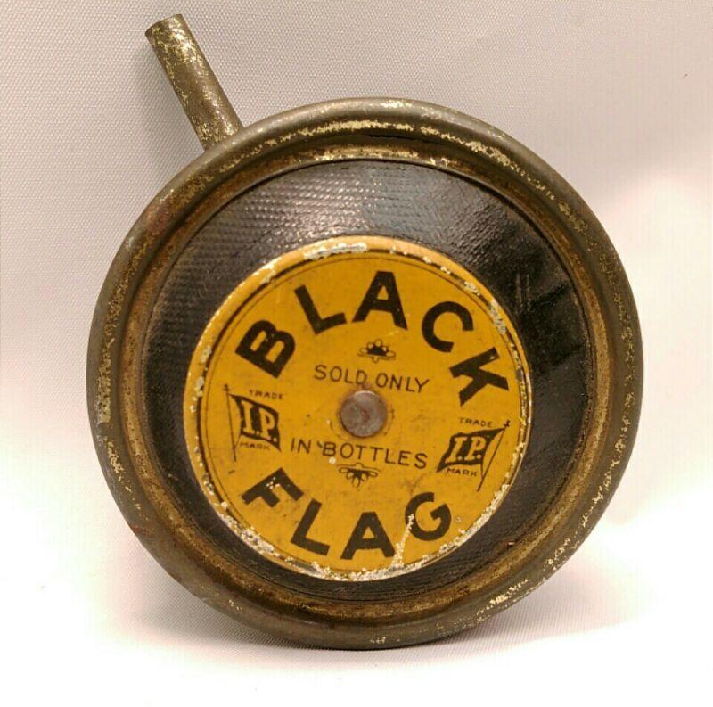 VINTAGE METAL & LEATHER BLACK FLAG POWDER DISPENSING BULB PESTICIDE ADVERTISING