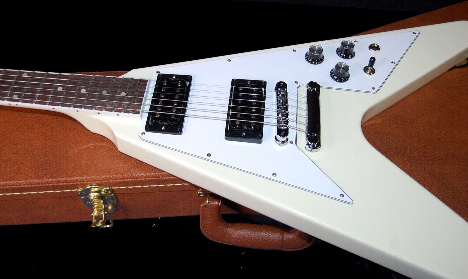 MINT 2020 Gibson 70 s Flying V Vintage White - Original Case SAVE Big  - $1,649.00