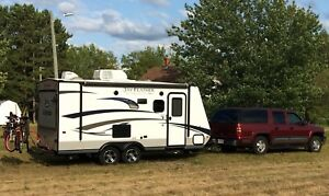2015 Jayco Feather UltraLite X18D (3 Queen Beds)