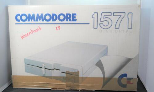 Commodore 1571 disk drive in  box for Commodore 64 or 128