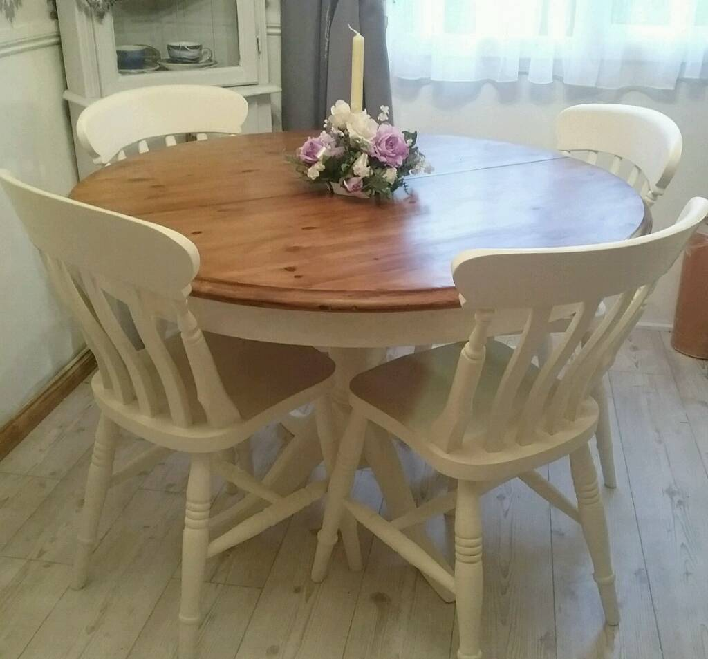 Shabby chic solid pine round extendable table and 4 solid for Painted round dining table and chairs