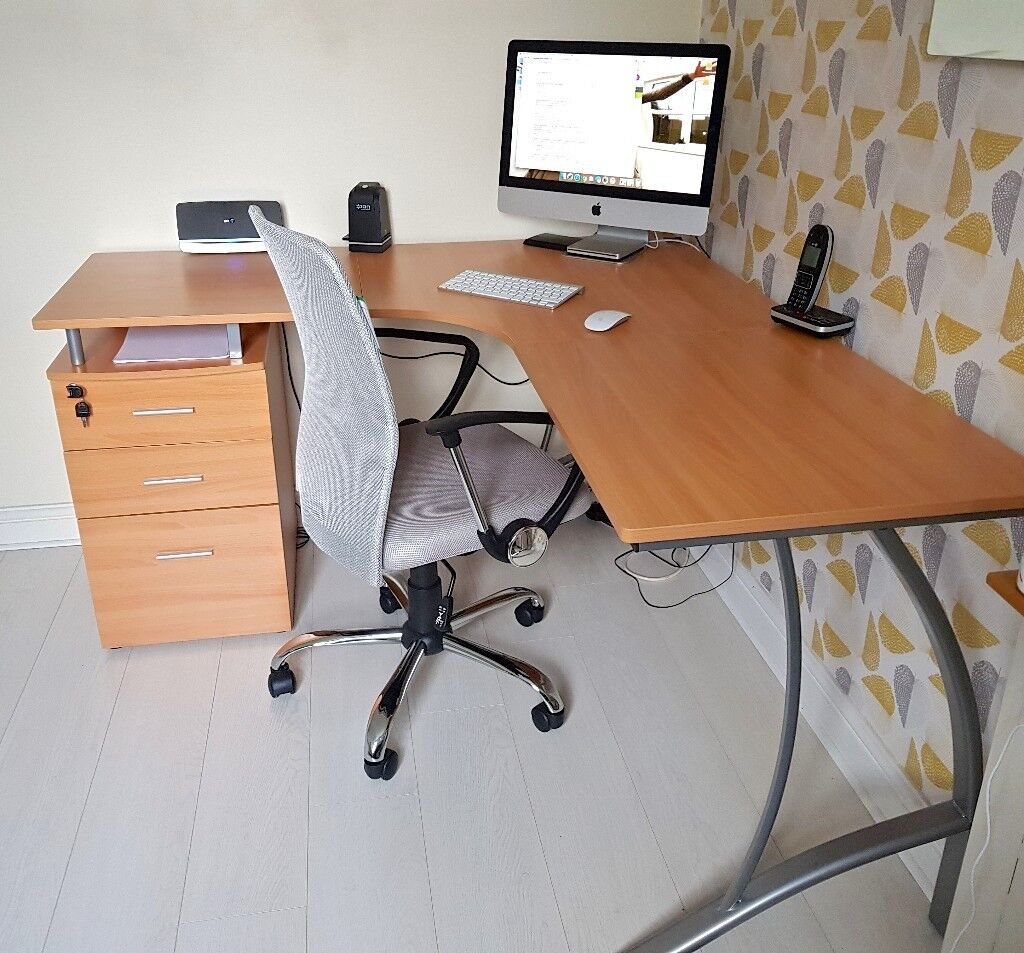 Piranha Large Corner Computer Desk With 3 Drawers Lock Key And A4 Filing Space