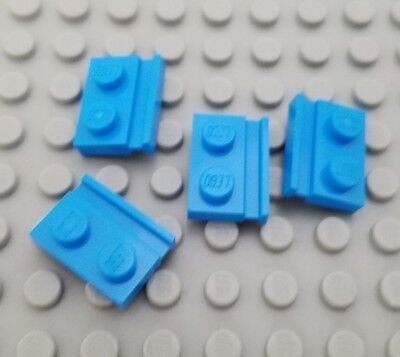 LEGO Lot of 12 White 1x2x1 Wall Panels