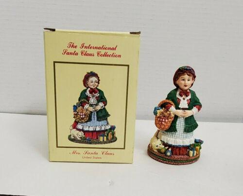 International Santa Claus Collection Figurine UNITED STATES Mrs Santa MC02 Box