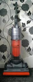 Dyson hoover comercial