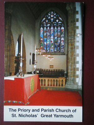 POSTCARD NORFOLK GREAT YARMOUTH - THE PRIORY & PARICH CURCH OF ST NICHOLAS