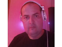 DJ LOOKING FOR BAR,CLUBS FOR GIGS TO PLAY
