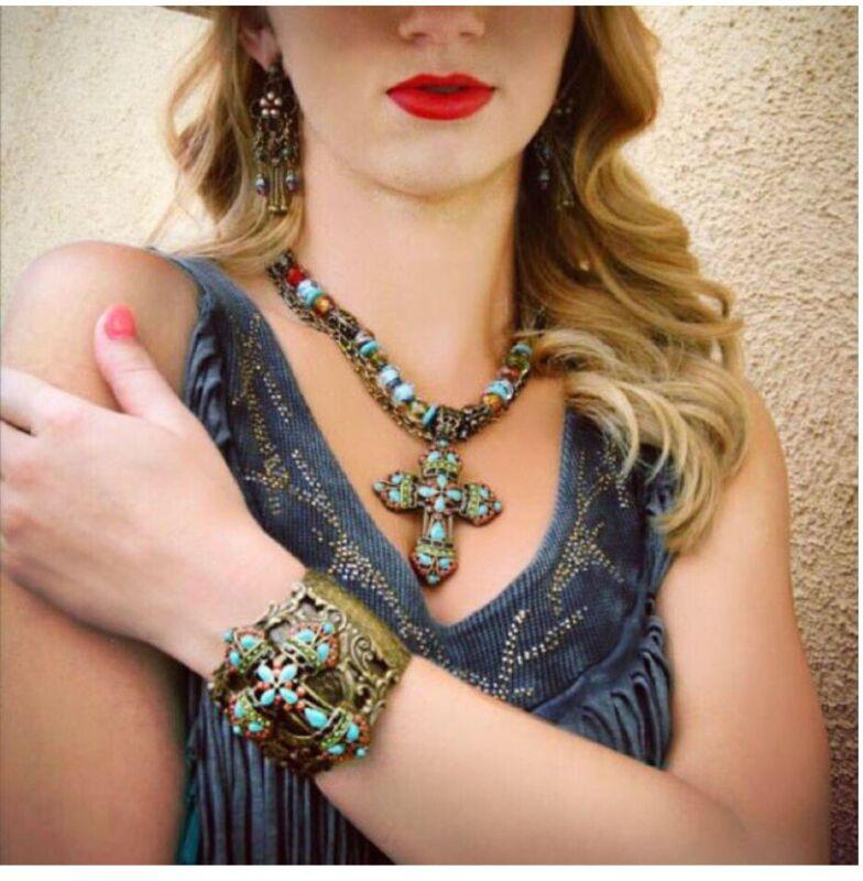 Sweet Romance Cross Bracelet And Necklace Set
