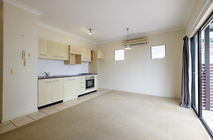 Awesome Unit for Rent: Boundary Street - West End West End Brisbane South West Preview
