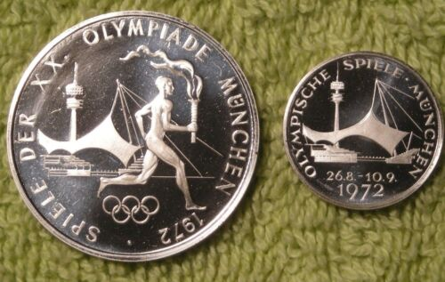 Pair of 1972 Munich Olympic medals Torch runner and Stadium silver