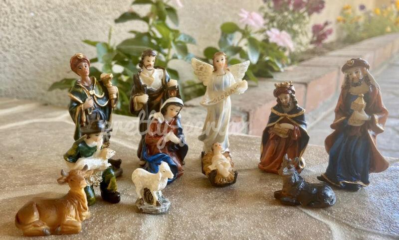 New Nativity Scene Set Christmas Small Manger Baby Jesus Nacimiento 11pc Set