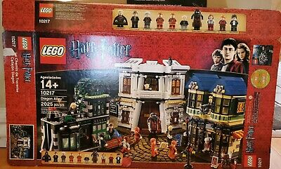 Lego Harry Potter Diagon Alley (10217) - Complete w/Minifigs, box & Instructions