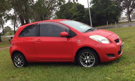 2009 Toyota Yaris YR one owner low kms