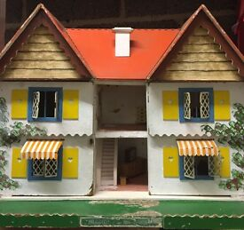 TRI-ANG 1960S RED ROOF DOLLS HOUSE