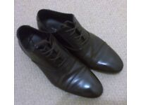NEW 100% leather shoes from New Look for men, size 9, dark brown - only £5