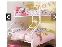 Triple sleeper / bunk bed