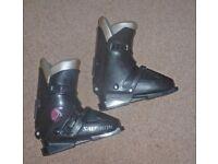 Ladies Salomon ski boots ~ Size 310/24, top quality gear