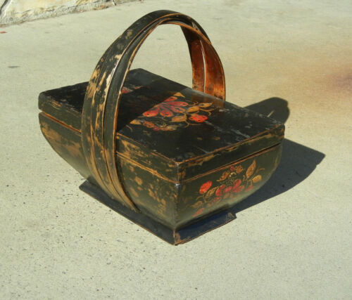Antique Chinese Painted Lacquered Wooden Basket Floral with Lid and Handle