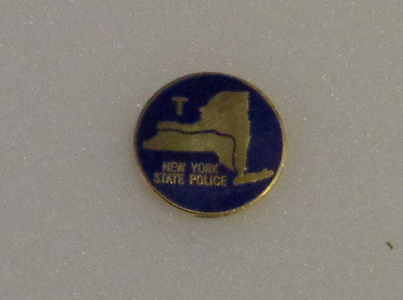 """2 New York COLLAR//LAPEL PINS Gold state seal Police//Fire//EMS 15//16/"""" NY NYS USA!"""
