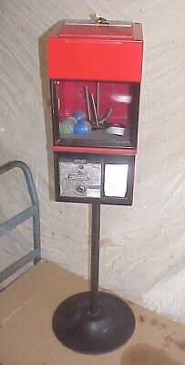 Victor 77 Toy Gumball Vending Machine 25 Cent Capsule W Toys Stand Base