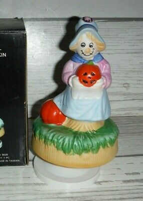 Halloween Vintage Music (Vintage Porcelain Musical Halloween Scarecrow with)