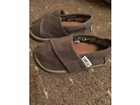 Toddler toms size T4