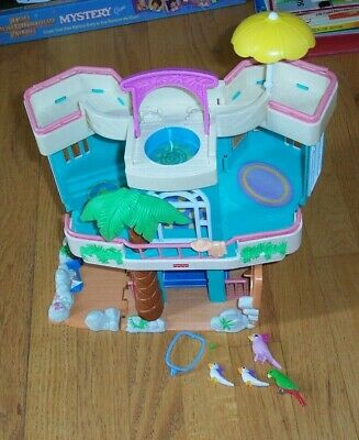 Fisher Price SWEET STREETS Beach Ocean Doll House with 4 Birds, Parrot, VGC