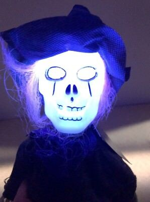 """Walking Screaming Light Up Lighted Head Animated Skeleton Halloween 12"""" W/ Tag"""
