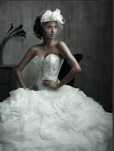 Wedding dress size 12 - Allure couture C170