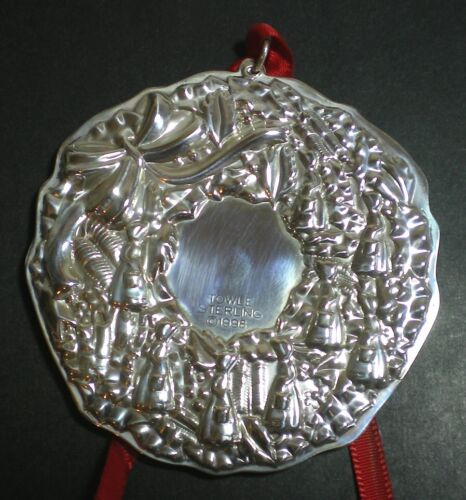 Towle Eight Maids A Milking Wreath Sterling Silver Christmas Ornament