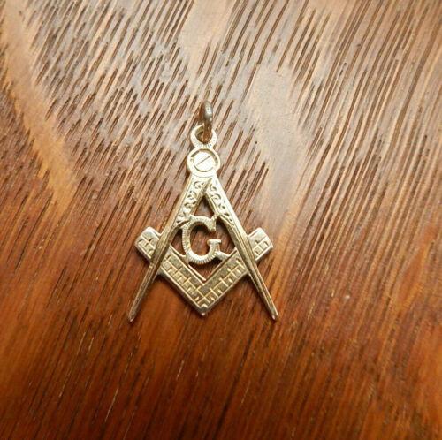 Vintage Antique 14k Yellow Gold Masonic Hand Engraved Pendant