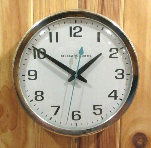 Vintage General Electric GE Mid Century Modern Industrial School Wall Clock NICE
