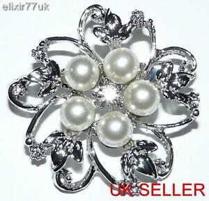UK SILVER TONE FAUX PEARL & CRYSTAL FLOWER & LEAF BROOCH WEDDING PARTY FREE GIFT