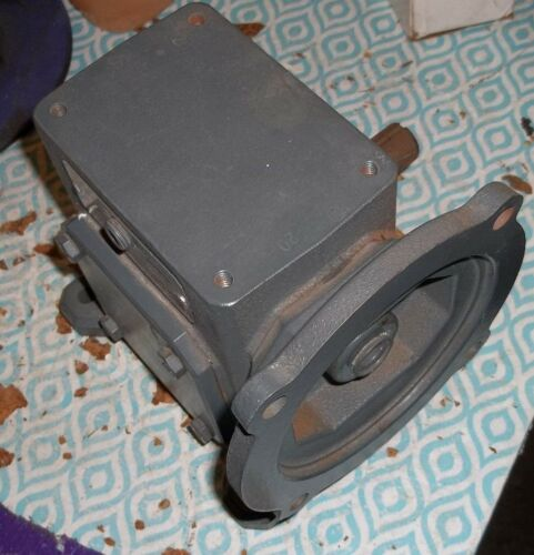 GROVE GEAR SPEED REDUCER WORM FLEXALINE TMQ218-3 56C .81HP 20:1 1750RPM (M6)
