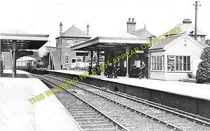 Heswall Railway Station Photo. Parkgate - Thurstaston. Hooton to West Kirby