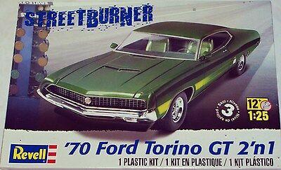 Revell Monogram  1970 Ford Torino GT 2 in 1 Plastic Model Kit 1/25