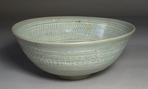 A Fine Korean White Slip Inlaid Buncheong Bowl-16th C